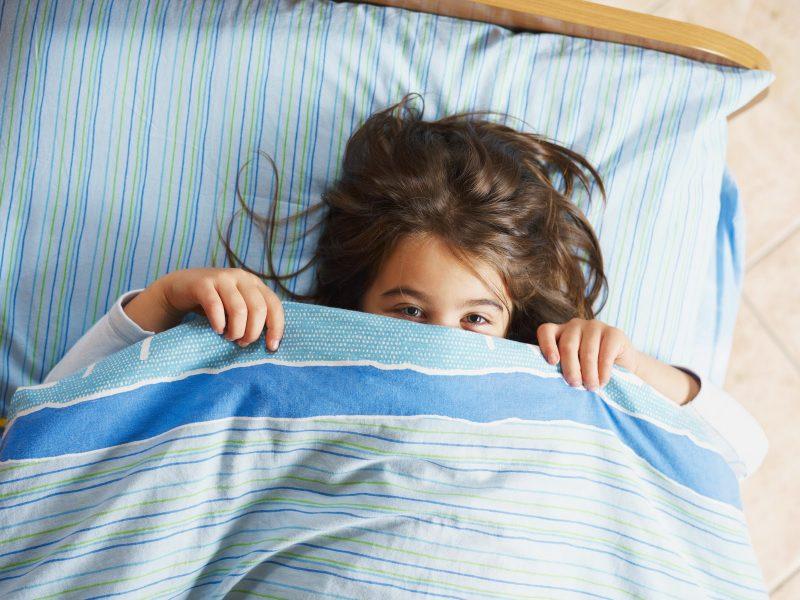 Cinq ans, est-ce trop vieux pour mouiller le lit ? Un mythe parental déboulonné