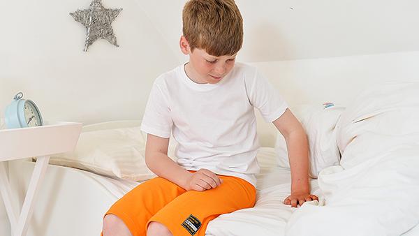 aider les enfants pipi au lit nocturne. Black Bedroom Furniture Sets. Home Design Ideas
